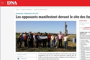 160929-vendenheim-les-opposants-manifestent-devant-le-site-des-forages-capturedna