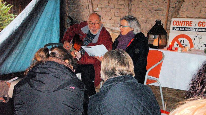 Moment de partage sur la ZAD, au lieu-dit du Moulin, dimanche 24 décembre 2017
